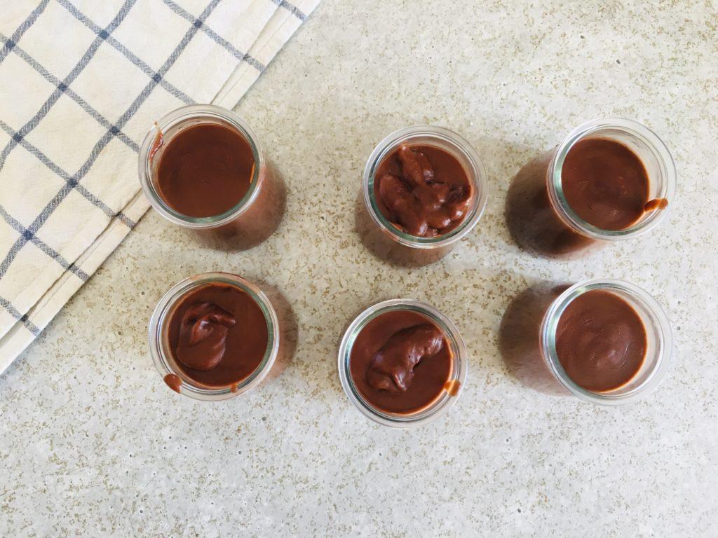 crème au chocolat végane à la banane et beurre de cacahuète - sans sucre
